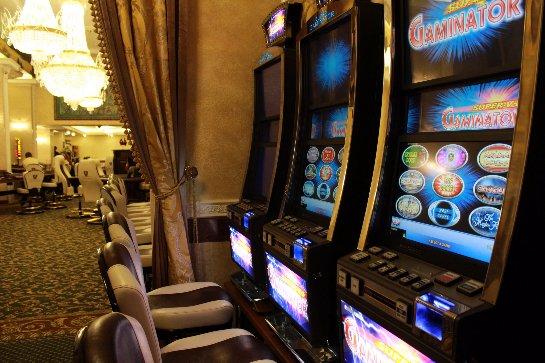 Большой выбор игровых автоматов в само известном клубе