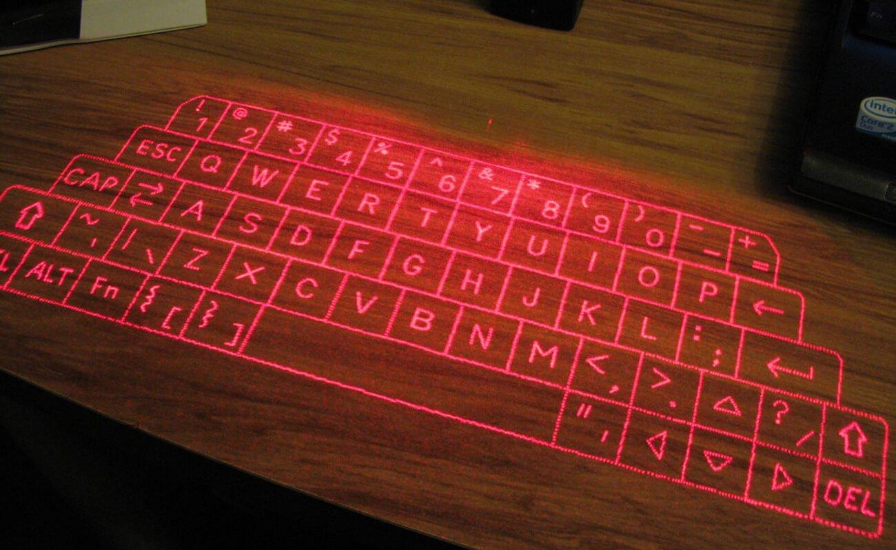 Samsung представила виртуальную клавиатуру раньше Apple