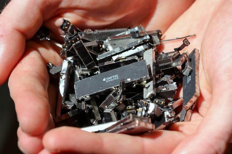 iPhone стало так много, что Apple начала добывать полезные ископаемые из них