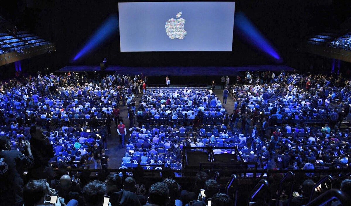 Apple срочно должна выпустить что-то новое. Но что?
