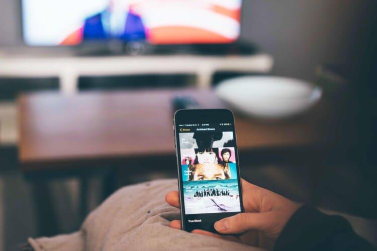 Apple не позволяет отрицательным героям фильмов пользоваться iPhone
