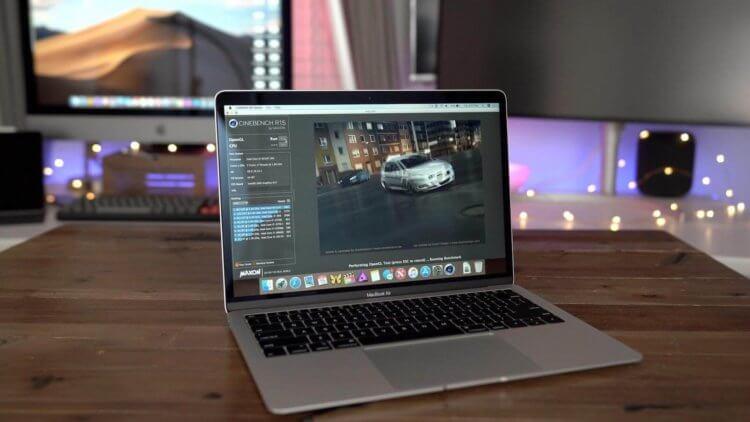 Apple признала, что с экранов MacBook Air Retina тоже сходит антибликовый слой