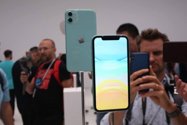 Apple не осилила совсем убрать выемку в дисплее iPhone 12