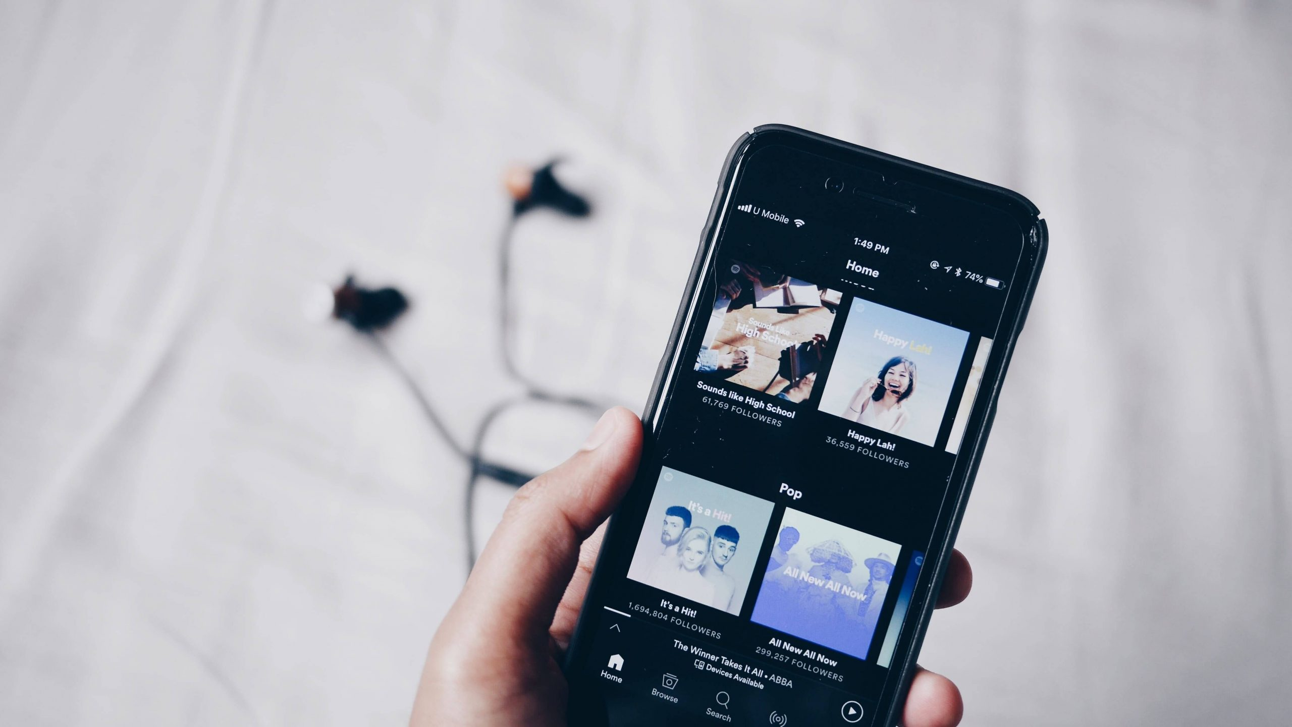 Spotify хочет заставить Apple убрать комиссию в App Store
