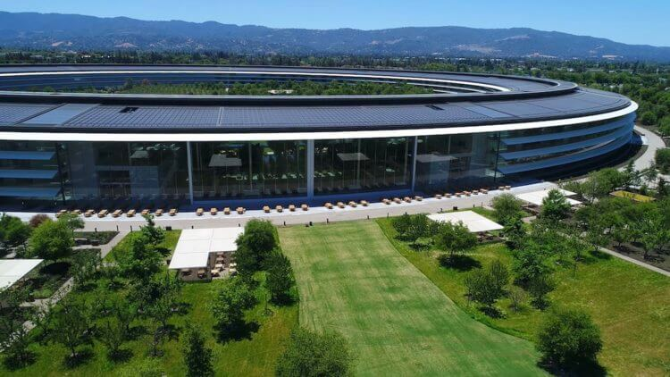 Apple возвращает сотрудников в офисы: как они теперь будут работать?