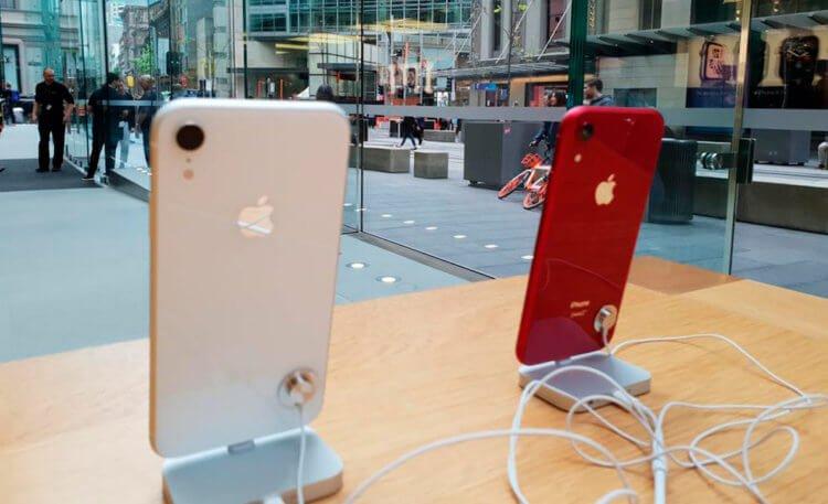 Дешевле, чем у Apple: где в России купить iPhone и AirPods Pro со скидкой
