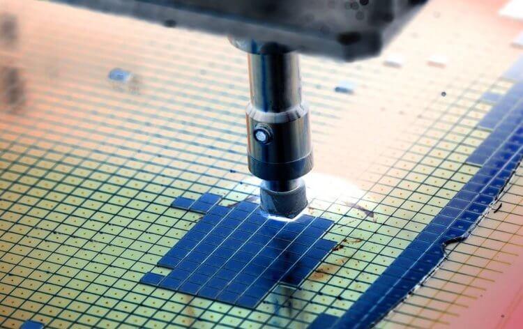 Почему процессоры для iPhone пока не могут производить в США