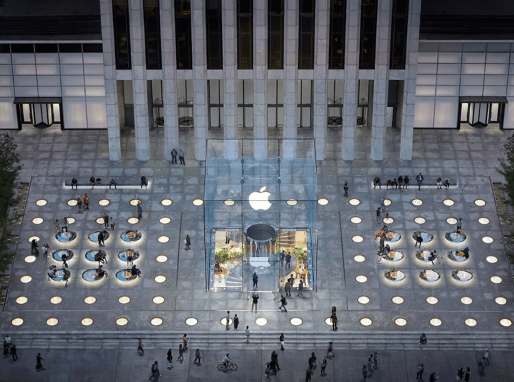 На Apple Store снова напали — в этот раз не в США