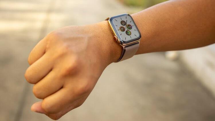 Apple Watch 5 начали отключаться даже при полной зарядке. В чём дело?
