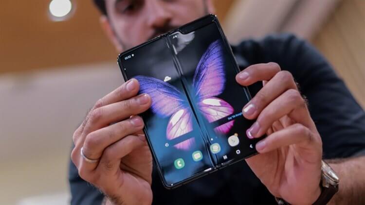 Apple закупила у Samsung большую партию складных дисплеев для будущих iPhone