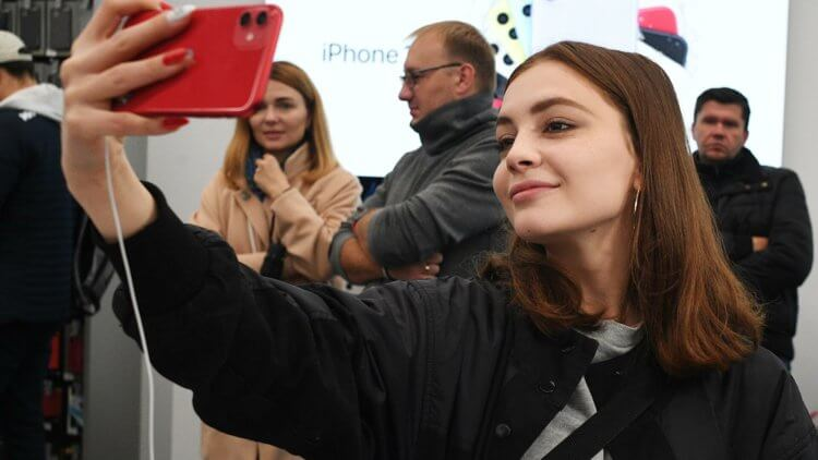 В России начались официальные продажи iPhone 12 и iPhone 12 Pro