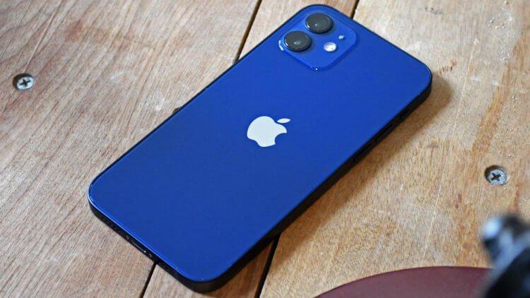 iPhone 12 mini или iPhone SE 2: что выбрать в 2020 году