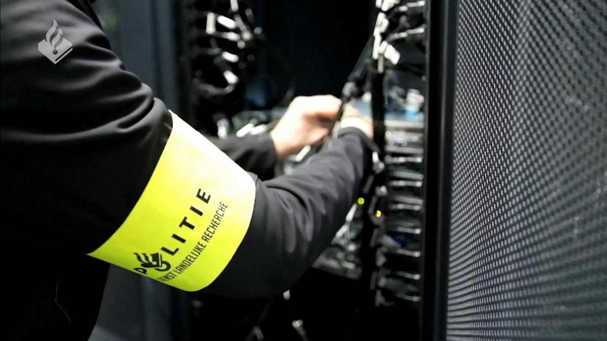 Голландская полиция разместила предупреждения для хакеров на хакерских форумах