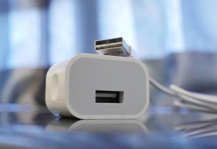 В Instagram миллионы объявлений по продаже поддельных зарядок для iPhone. Как Apple борется с ними