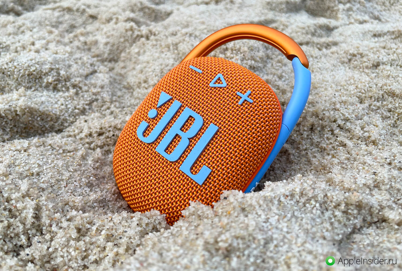 Удобная колонка с карабином — обзор JBL Clip 4