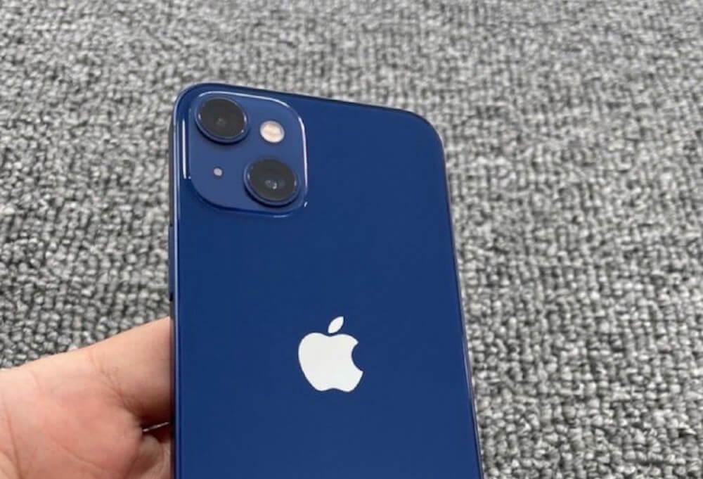Похоже, это первое реальное фото iPhone 13 mini