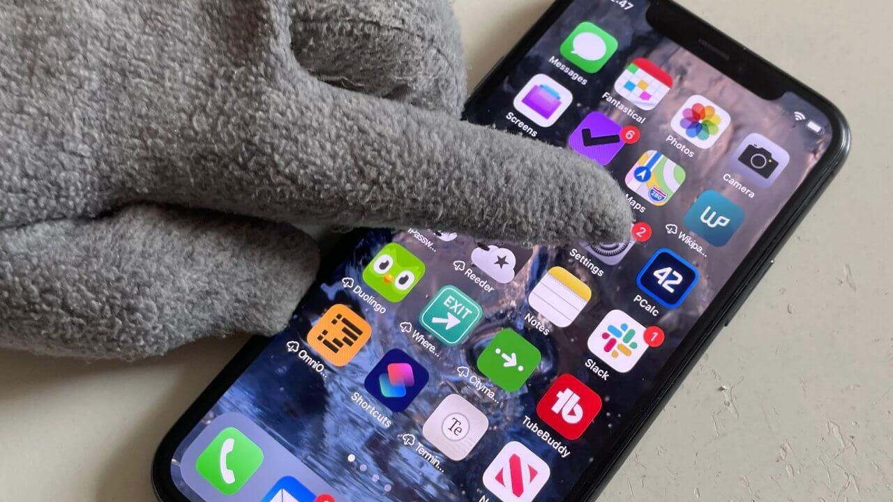 Мы сможем управлять iPhone, не снимая перчатки. Уже скоро