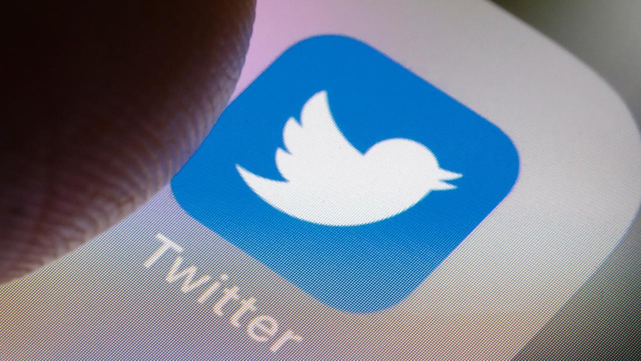 Замедление Twitter продлено до 15 мая